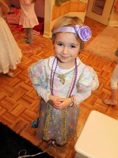 Princess Dress Up Girl 2 - Let's Dress Up! - Upper East Side New York City